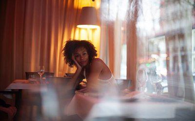 Actrice, auteure et femme engagée, Rachel Khan sera notre invitée au Café de Flore du 5 février 2019